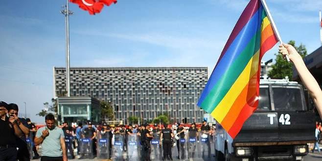 LGBT'nin yürüyüşüne izin verilmedi
