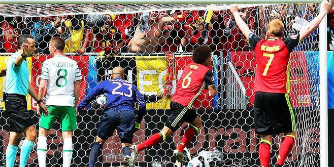Belçika İrlanda engelini üç golle geçti