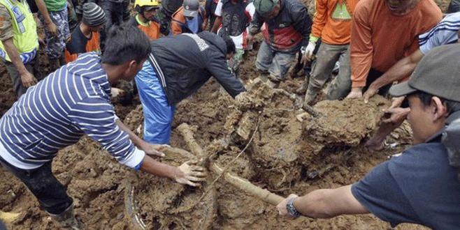Heyelan faciası: 24 ölü, 26 kayıp…