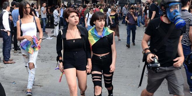 Taksim'deki LGBTİ yürüyüşünde gerginlik