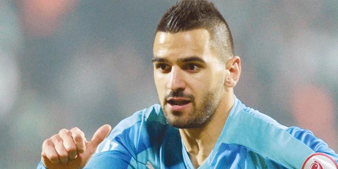Beşiktaş Aziz'i mi istiyor?