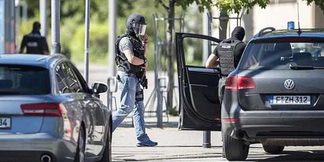Almanya'da sinemaya silahlı saldırı