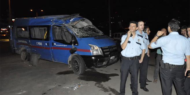 Feci kaza: 5'i asker 12 yaralı