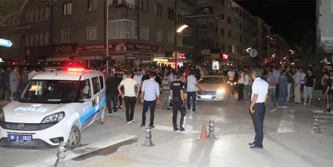 'PKK'nın renklerinde tespih' gerginliği