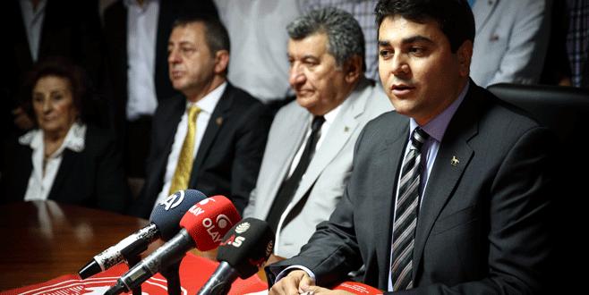 DP Genel Başkanı Uysal partisinin iftarına katıldı