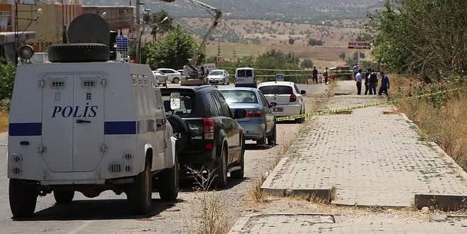 Diyarbakır'da hain saldırı: 1 şehit, 1'i polis 7 yaralı