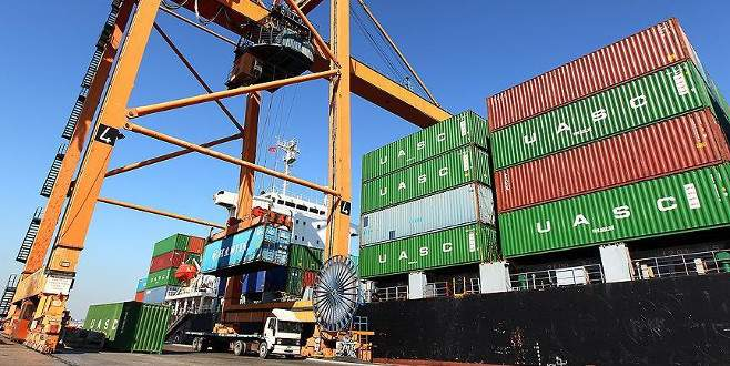 Mayısta ihracat arttı, ithalat azaldı