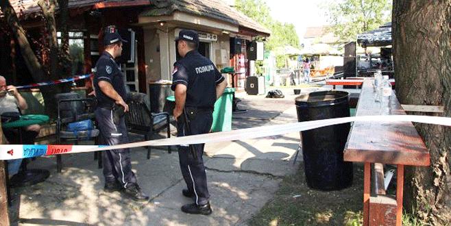 Kafeye silahlı saldırı: 5 ölü