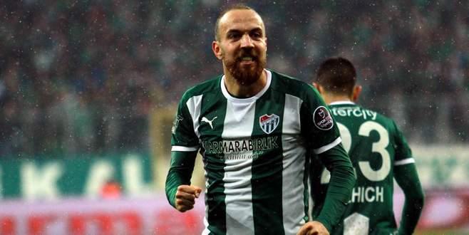 Sercan Yıldırım 3 yıllığına Bursaspor'da!