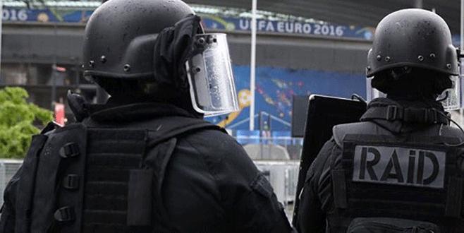 EURO 2016'da maç öncesi bomba paniği