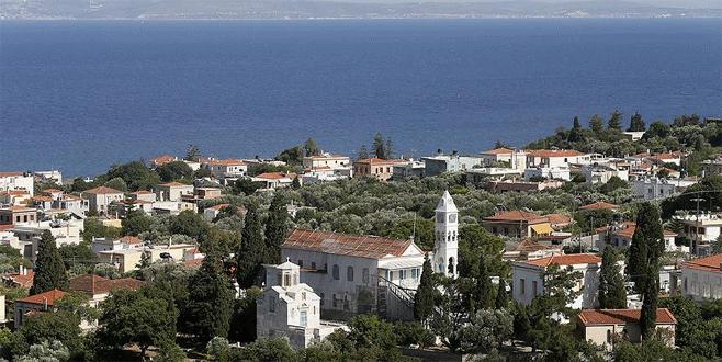 Sakız Adası'nda bin 200 Türk turist mahsur kaldı