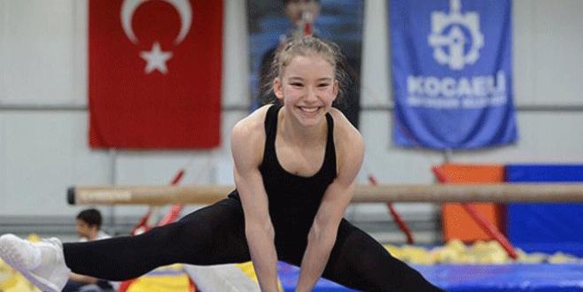 15 yaşındaki Ayşe Begüm Onbaşı dünya şampiyonu oldu