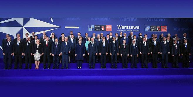Erdoğan NATO Zirvesi'nde 'aile fotoğrafı' çekimine katıldı