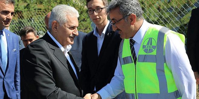 Başbakan Yıldırım karayolları çalışanlarıyla bayramlaştı