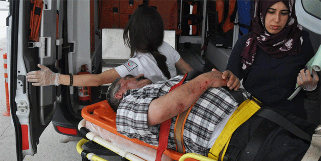 Bursa'da onarmak için çıktığı çatıdan düştü