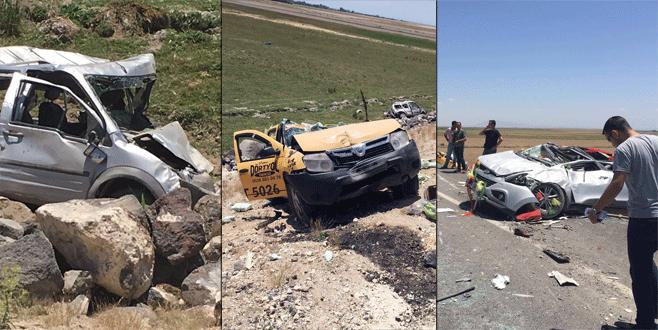 Düğün konvoyunda kaza: 1 ölü, 21 yaralı