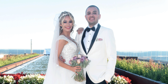 Buse evlendi