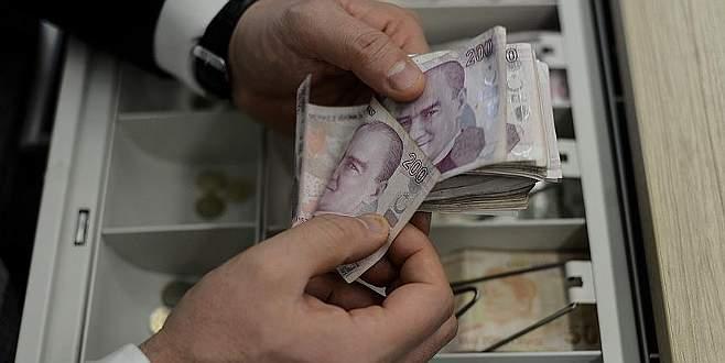 Hazine 5 milyar lira borçlandı