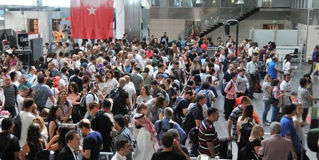 Antalya'da dış hatlar yolcusu yüzde 47 azaldı