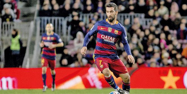 Arda Barça'da kalıyor
