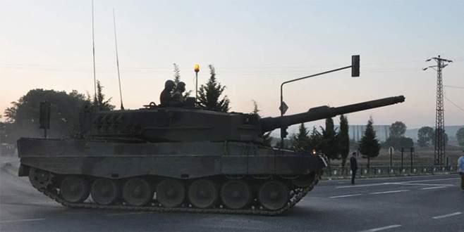 Tanklar İstanbul'a hareket etti!