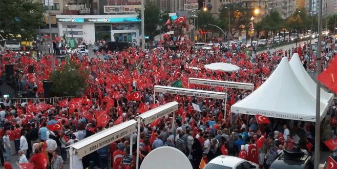Bursa'da on binler meydanlara indi