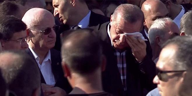 Erdoğan, Erol Olçak'ın cenaze namazında konuşurken ağladı