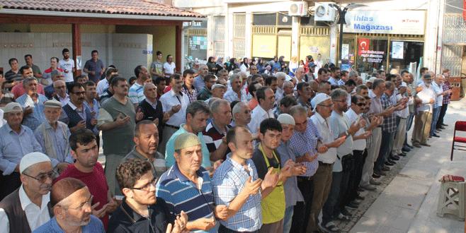 Bursa'da şehitler için gıyabi cenaze namazı kılındı
