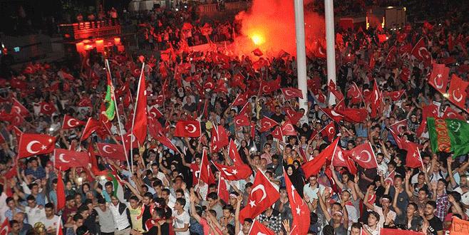 Vatandaşlar Taksim Meydanı'nda