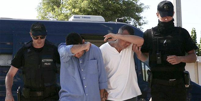 Yunanistan'a kaçan 8 askerin davası başladı