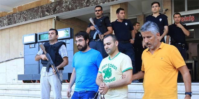 Gözaltına alınan 9 pilottan ikisi tutuklandı