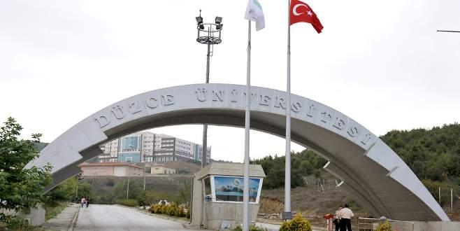 Düzce Üniversitesi'nde 16 personel açığa alındı