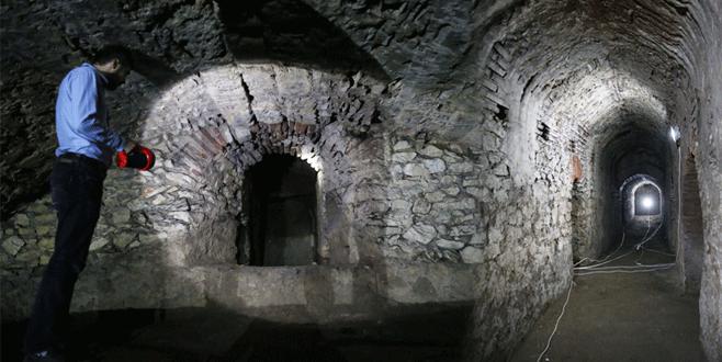 Bursa'da 2 bin 400 yıllık sarayın bölümleri ortaya çıkarıldı