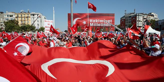 Darbe girişimi 'Cumhuriyet ve Demokrasi' mitingi ile protesto edildi