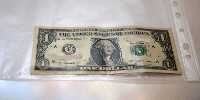 Albayın odasında 'F serisi' bir dolarlık banknot ele geçirildi