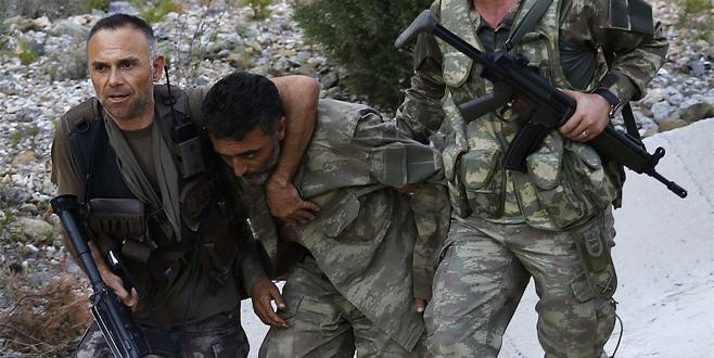 Marmaris'te aranan 7 darbeci asker yakalandı