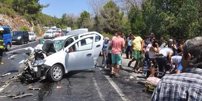 Feci trafik kazası: 4 ölü, 6 yaralı