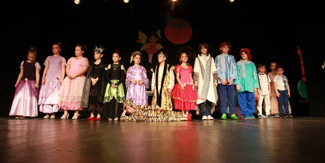 'Tiyatroya çocukken başlanır'