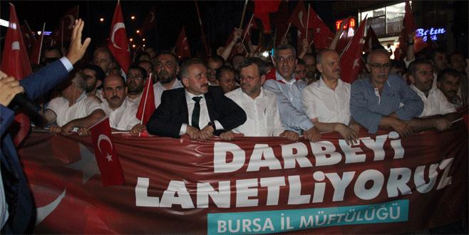 Bursa'da din görevlileri Demokrasi Meydanı'na yürüdü