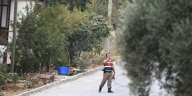 Darbeci askerler silah zoruyla ekmek çaldı