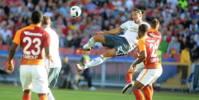 Galatasaray, Manchester United'a 5-2 yenildi