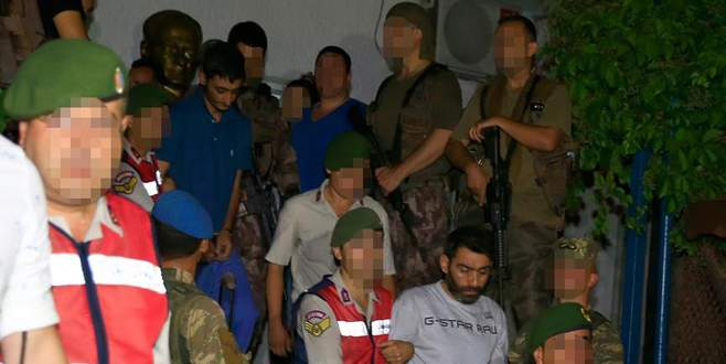 Erdoğan'ın kaldığı otele saldıran 11 darbeci asker yakalandı