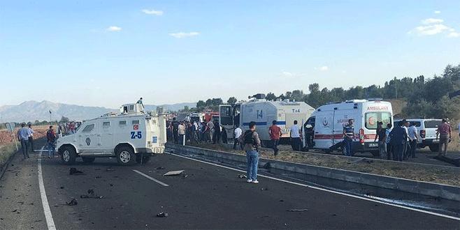 Bingöl'de polis aracına bombalı saldırı: 6 şehit