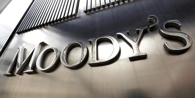 Moody's pas geçebilir