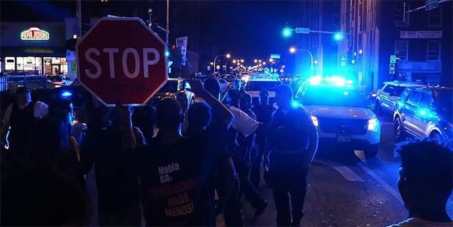 ABD'de siyahilere müdahaleler protesto edildi