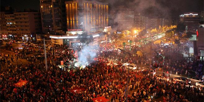 Bursa'da mitinge ulaşım ücretsiz