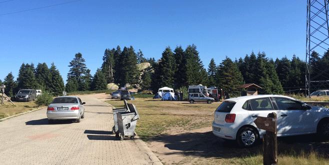 Bursa'da sıcaktan bunalanlar Uludağ'a akın etti