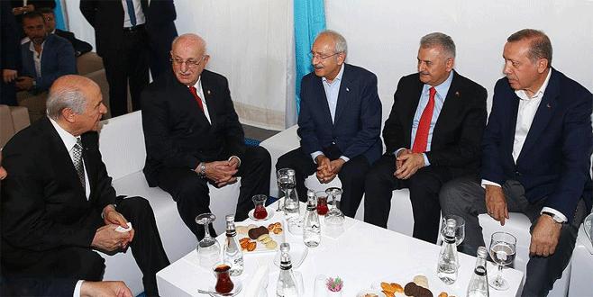 Erdoğan ve siyasi parti liderleri bir araya geldi