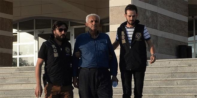 Yurtdışına kaçmak isteyen üst düzey FETÖ 'imam'ı yakalandı