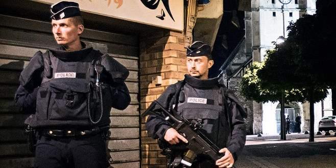 Fransa'dan İslam'a 'sömürgeci' dayatma